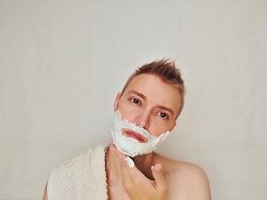 青髭とは一体どういうこと?男性が気になる、青い髭